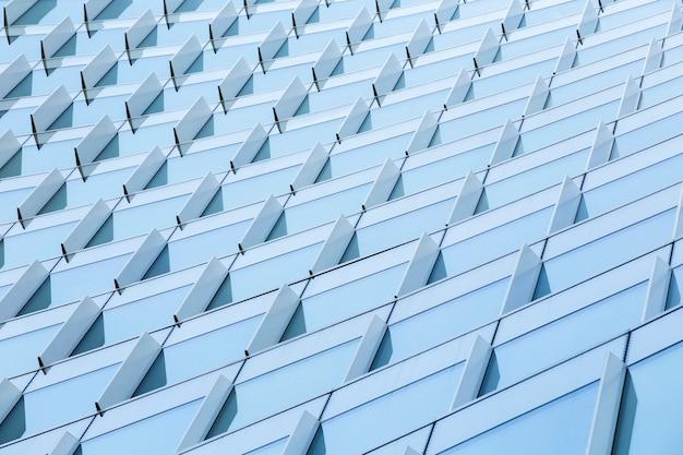 低角度の印象的なモダンな建物 無料写真