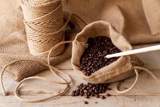 Мешковина с кофейными зернами Бесплатные Фотографии