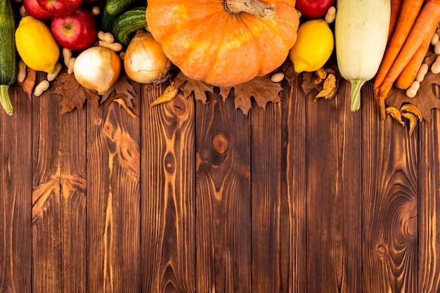 コピースペースで秋の収穫トップビュー 無料写真