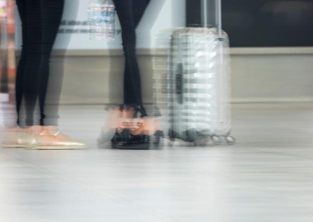 Размытые выстрел людей в аэропорту Бесплатные Фотографии