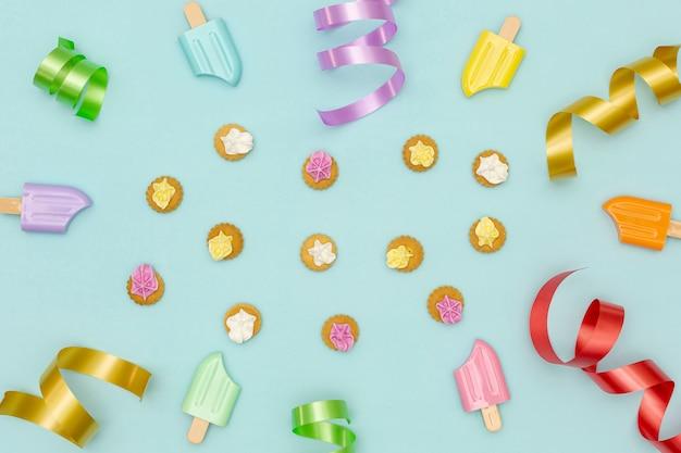 カラフルな装飾と誕生日パーティーの背景 無料写真