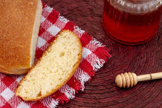 ジャムハイビューとスライスされたパン 無料写真