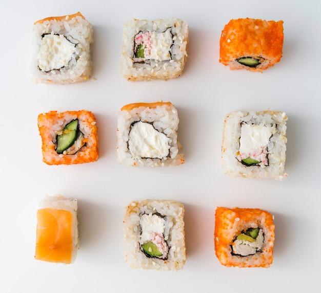 クローズアップトップビュー寿司ロール 無料写真