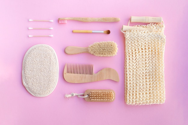 ピンクの背景にフラットレイアウト化粧品 無料写真