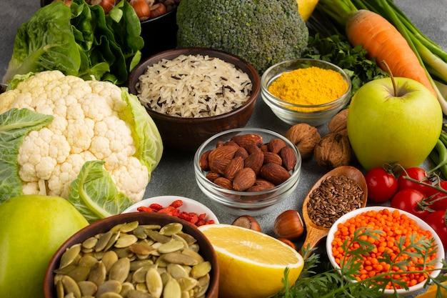 野菜とスパイスの品揃え 無料写真