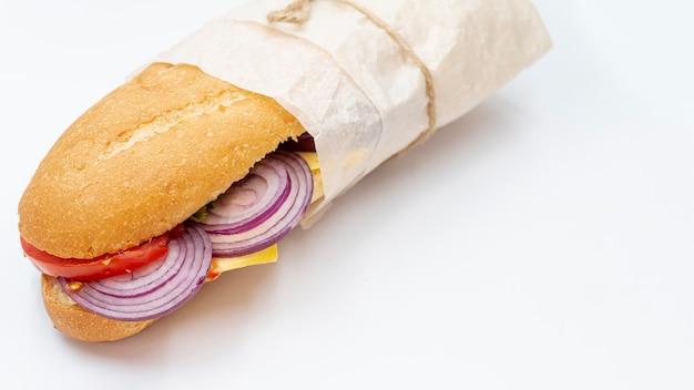 白い背景とクローズアップサンドイッチ 無料写真