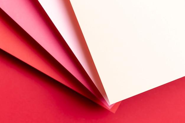 赤い紙のさまざまな色合いのトップビュー 無料写真