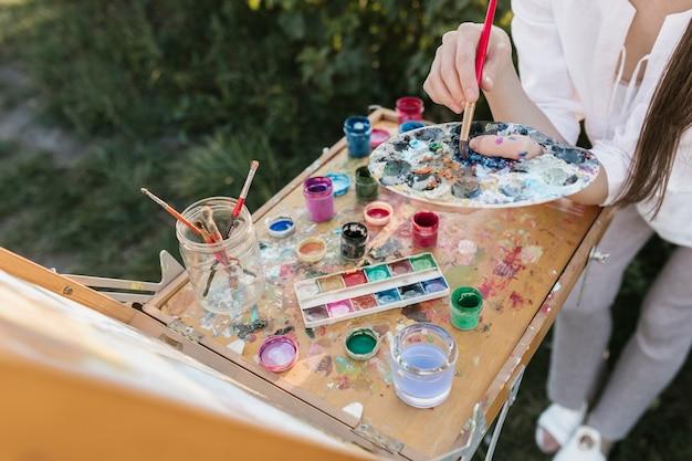 絵画要素を持つ高角画家 無料写真