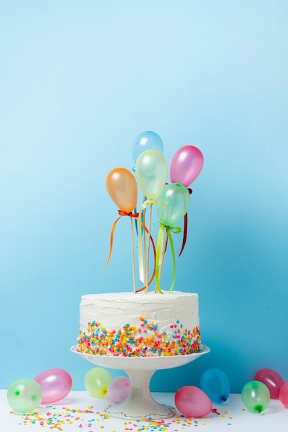 おいしいケーキで誕生日のアレンジ 無料写真
