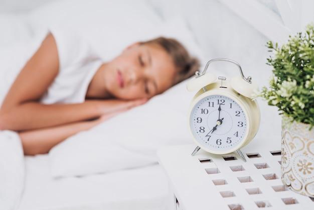 Размытая маленькая девочка спит Бесплатные Фотографии