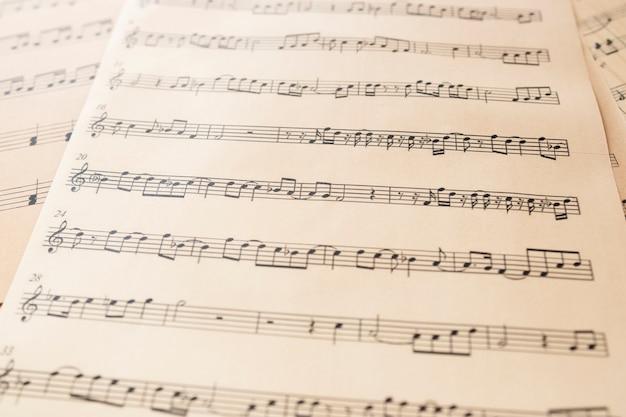 ノートとクローズアップ楽譜 無料写真