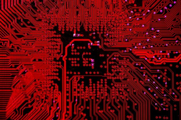 赤をテーマにした回路基板の平面図 無料写真