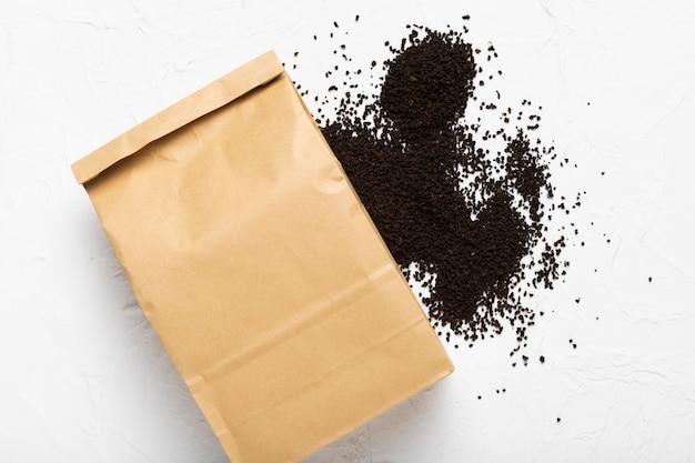 粉末コーヒー豆入り紙袋 無料写真