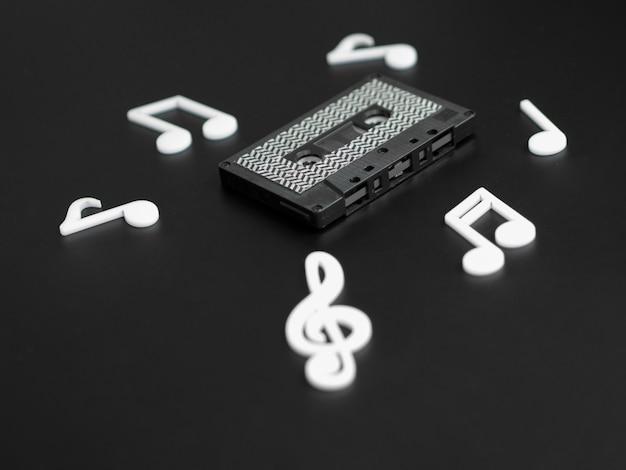 Диагональный вид темной современной кассеты Бесплатные Фотографии