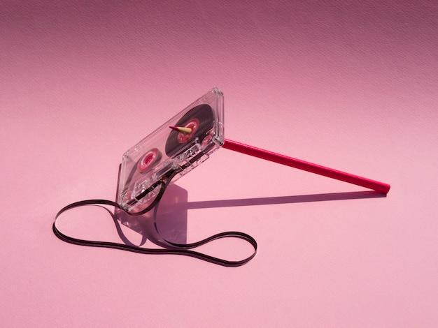 Прозрачная битая кассета под прожектором Бесплатные Фотографии