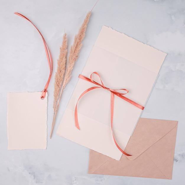 結婚式招待状のトップビューガーリーアレンジ 無料写真
