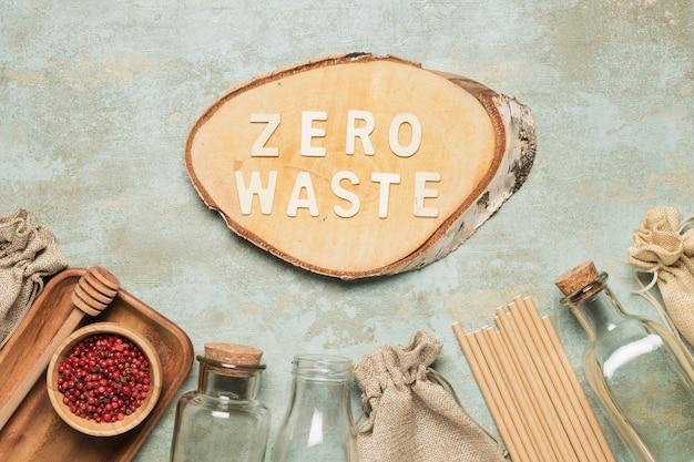 木の板にゼロ廃棄レタリング 無料写真