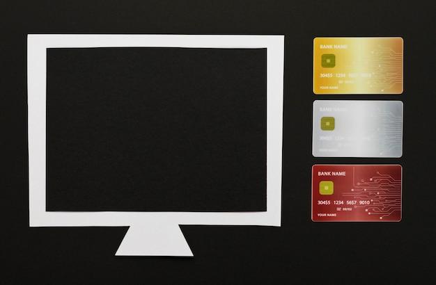 カードとコピースペースを持つコンピューター 無料写真