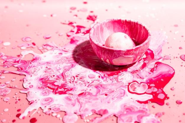 ピンクのペンキで高角度の装飾 無料写真