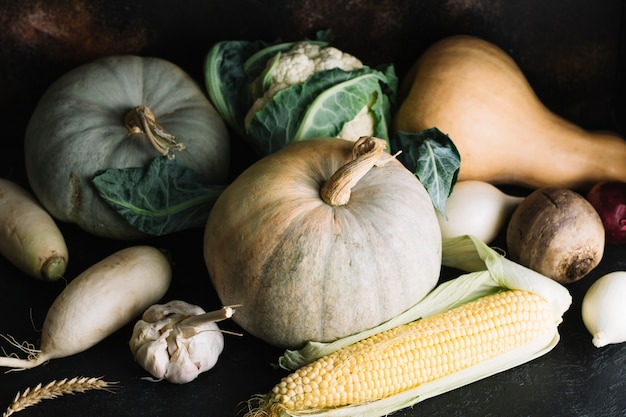 Вид спереди ассортимента овощных ингредиентов Бесплатные Фотографии