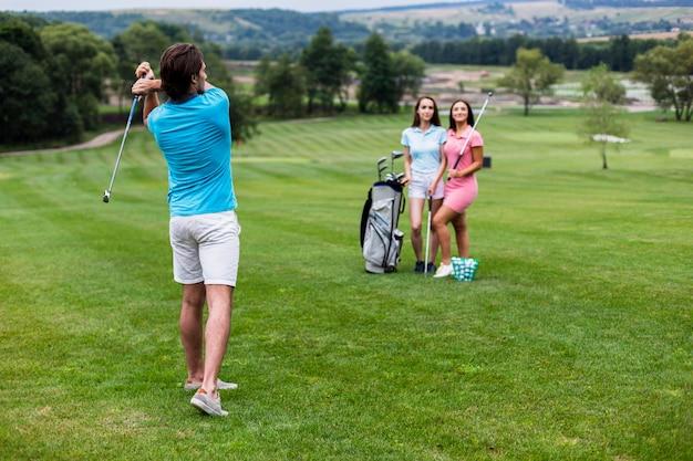 ゴルフの友人のグループ 無料写真