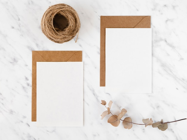 封筒とロープトップビュー 無料写真