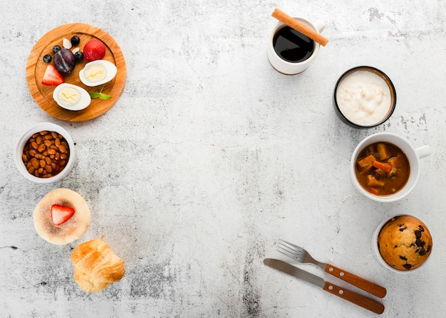 完璧な朝食のセットアップの平面図 無料写真