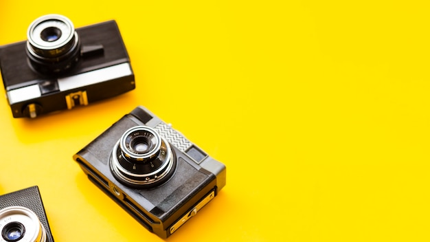 複数のレトロな写真カメラのクローズアップ 無料写真