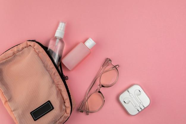 女性バッグと旅行用ツール 無料写真