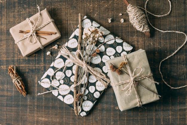 プレゼントとスピンドルの平面図配置 無料写真