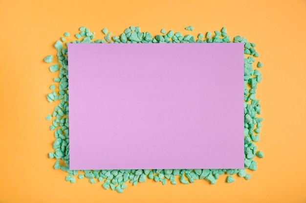 テーブルにカラフルな和紙アートワーク 無料写真