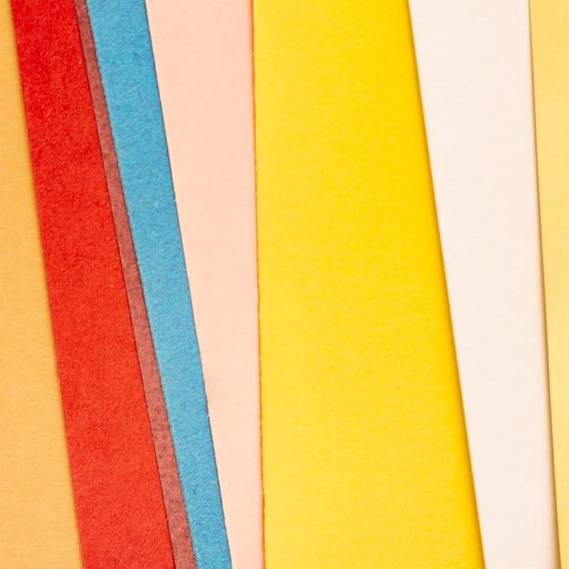 Пакет из разноцветных картонных листов Бесплатные Фотографии