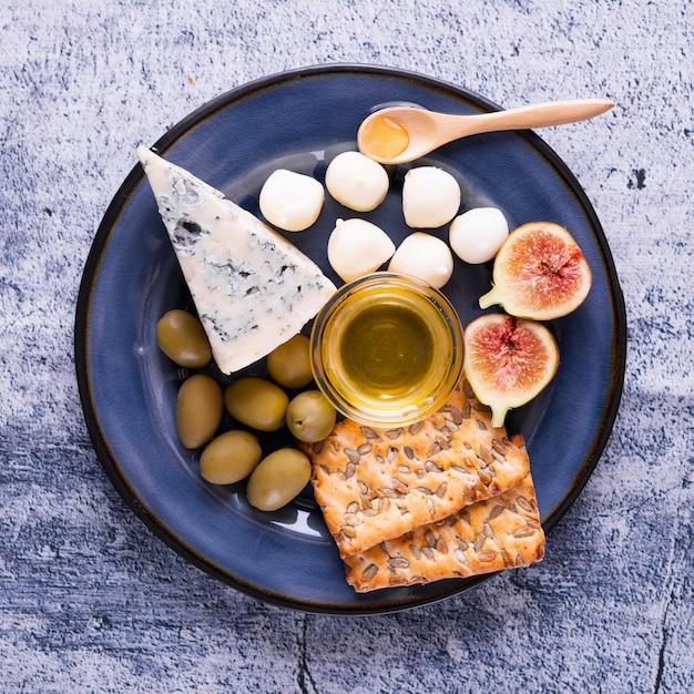 おいしい軽食とチーズの品揃え 無料写真