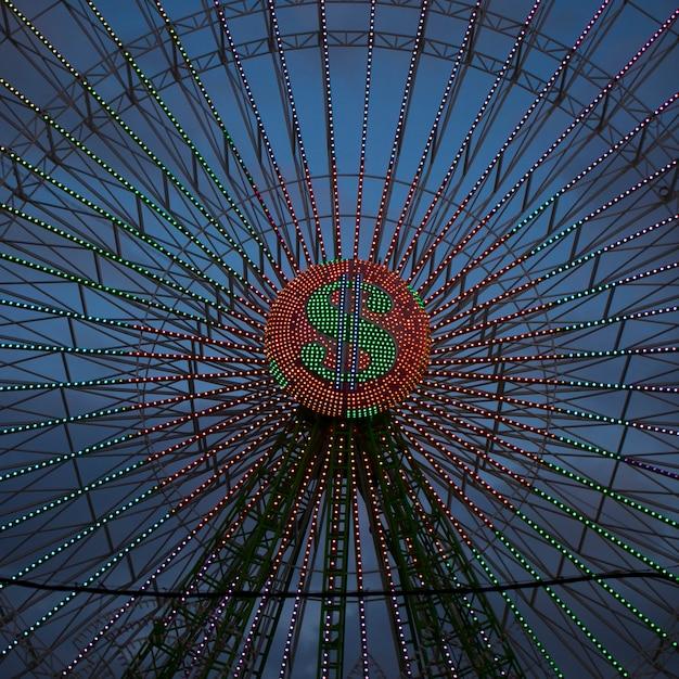Абстрактные неоновые огни на колесе чудо Бесплатные Фотографии