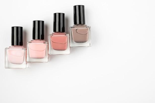 Набор лаков для ногтей с копией пространства Бесплатные Фотографии