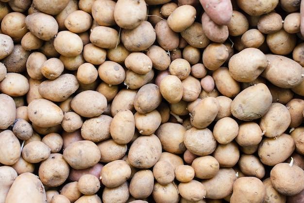有機ジャガイモ食品背景の束 無料写真