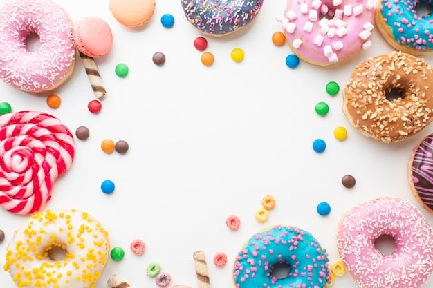 ドーナツとキャンディーコピースペース 無料写真