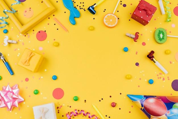 誕生日パーティーオブジェクトフレームトップビュー 無料写真
