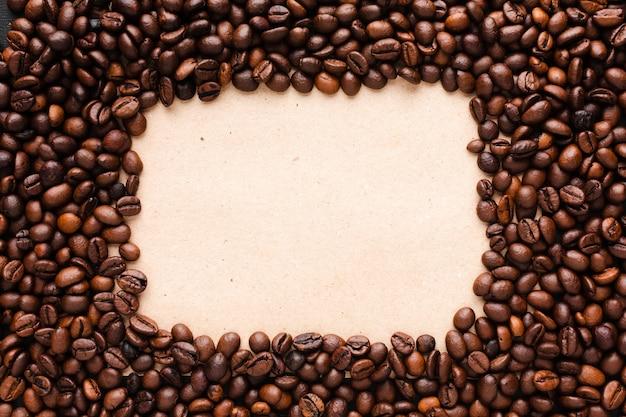 Жареный кофе в зернах с рамкой Бесплатные Фотографии
