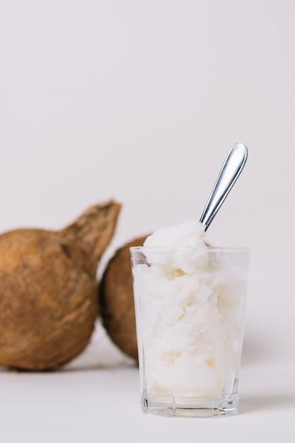 ココナッツナッツと垂直ショットココナッツオイル 無料写真