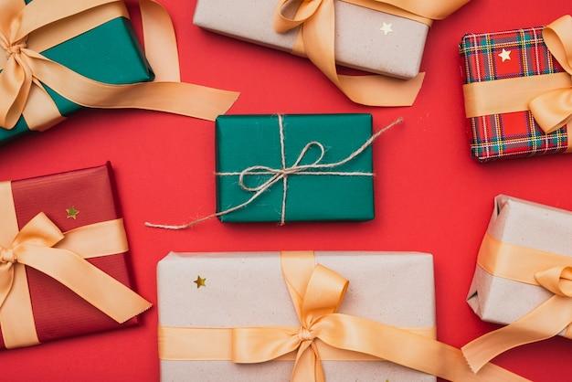 クリスマスのカラフルなギフトボックス 無料写真