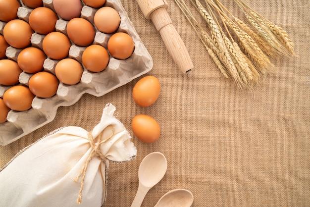 供給とコピーペーストのトップビュー卵 無料写真