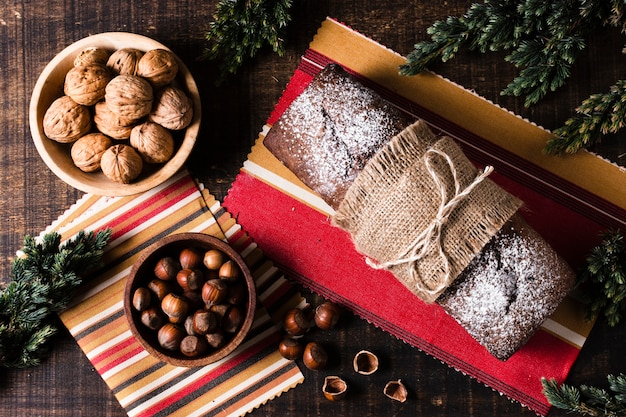 クリスマスディナーのトップビューおいしい食事 無料写真