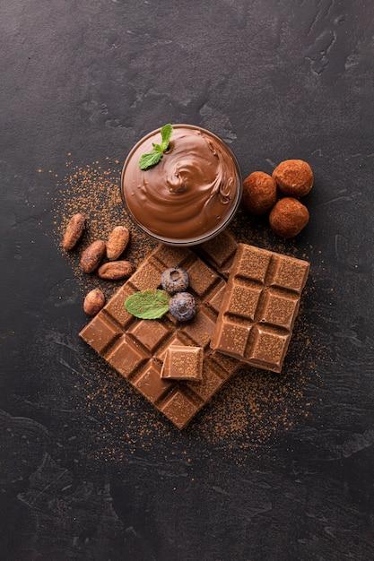 Вид сверху вкусных шоколадных батончиков Бесплатные Фотографии
