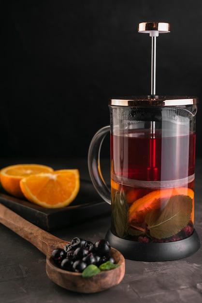 Чайный пресс с дольками апельсина Бесплатные Фотографии