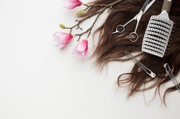 桜の花のある自然な髪 無料写真