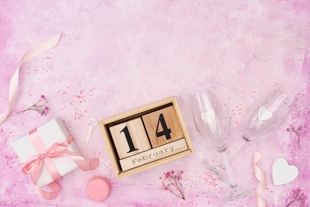 Над рамкой с настоящим и розовым фоном Бесплатные Фотографии