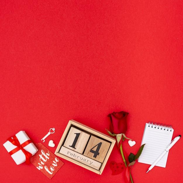 Рамка сверху с розой и подарком Бесплатные Фотографии