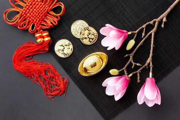 ペンダントと黄金のコイン旧正月 無料写真