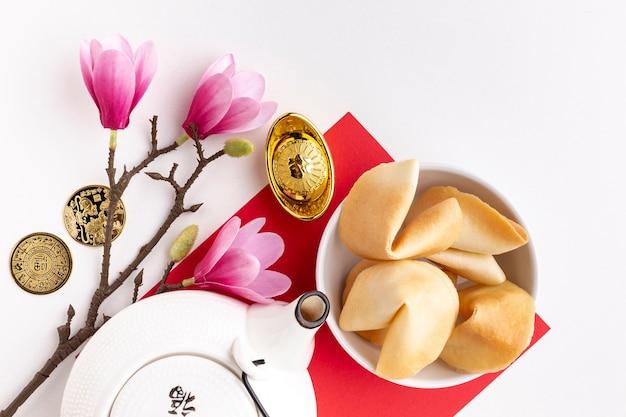 Магнолия и чайник китайский новый год Бесплатные Фотографии
